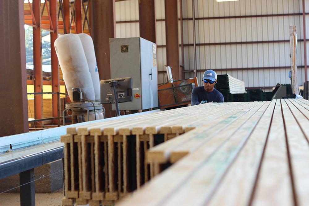 16-Lumber-Dealer-Facility.jpg?mtime=20181111133010#asset:21390